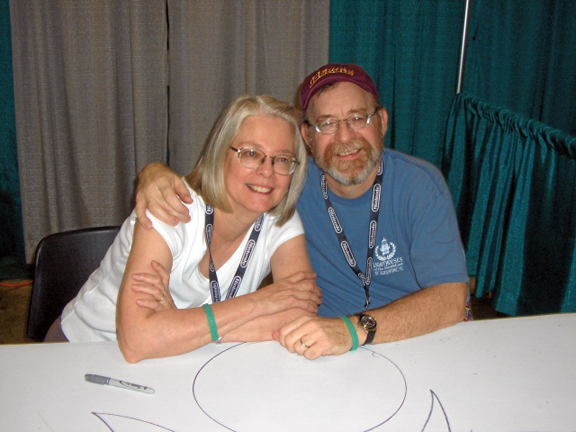 Louise &amp; Walter Simonson from Wizard World Chicago 2005. Photo by Roger Ash.