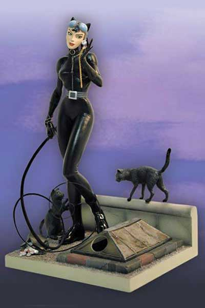 Image: Catwoman Statue  (Jim Lee) -