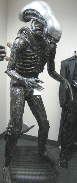 Image: Alien 18-Inch Scale Action Figure  -
