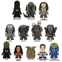 Image: Alien vs. Predator Titans Mini-Figure 20-Piece Blind Mystery Box Display Series 1  - Titan Books Uk