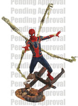 Image: Marvel Premier Collector Statue: Avengers 3 - Iron Spider-Man  - Diamond Select Toys LLC