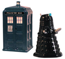 Image: Doctor Who Tardis vs. Dalek Salt & Pepper Set  - Doctor Who