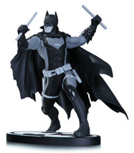 Image: Batman Black & White Statue: Earth 2 Batman by Nicola Scott  - DC Comics