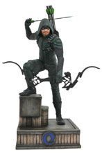 Image: Green Arrow CW Gallery PVC Statue: Green Arrow  - Diamond Select Toys LLC