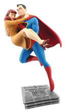 Image: Fleischer Studios Statue: Superman Rescuing Lois Lane  - Cryptozoic Entertainment