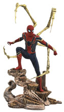 Image: Marvel Gallery Avengers 3 PVC Statue: Iron Spider-Man  - Diamond Select Toys LLC