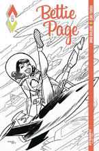 Image: Bettie Page #5 (cover D incentive - Bone B&W) (10-copy) - Dynamite