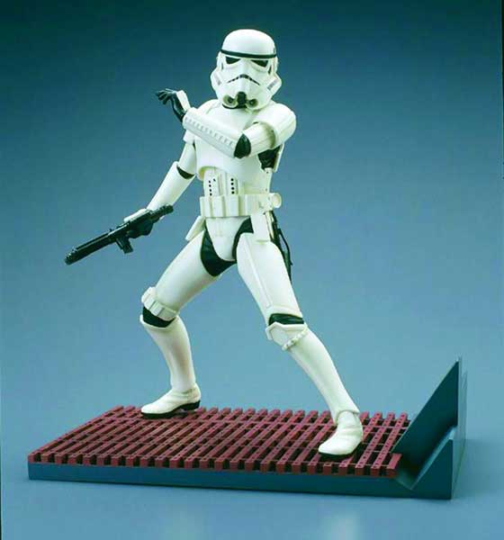 Image: Star Wars: Stormtrooper Kotobukiya Model Kit  - Dark Horse Comics
