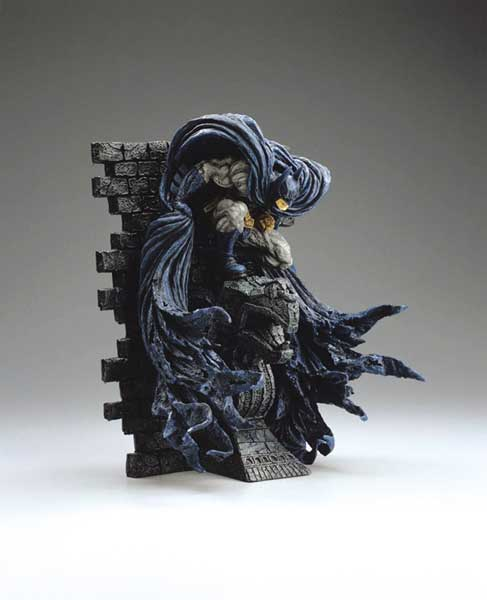 Image: Batman on Gargoyle Wall Statue by Kotobukiya  -