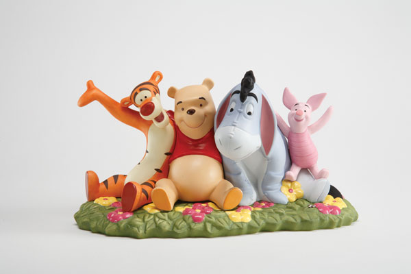 Image: Pooh & Friends: '10 Years of Friendship' Figurine  -