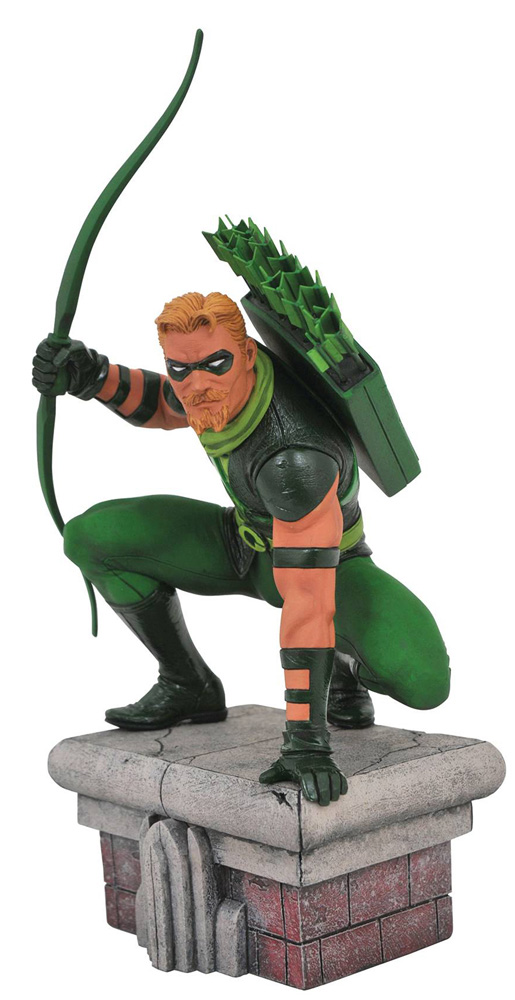 Image: DC Gallery PVC Diorama: Green Arrow  - Diamond Select Toys LLC