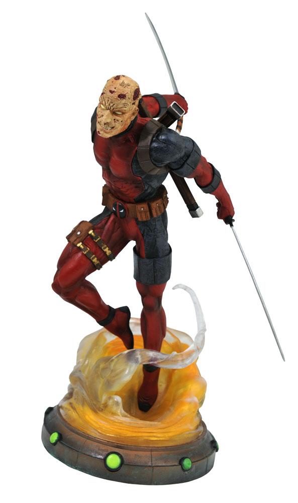 Marvel Gallery PVC Diorama: Deadpool Unmasked  - Diamond Select Toys LLC