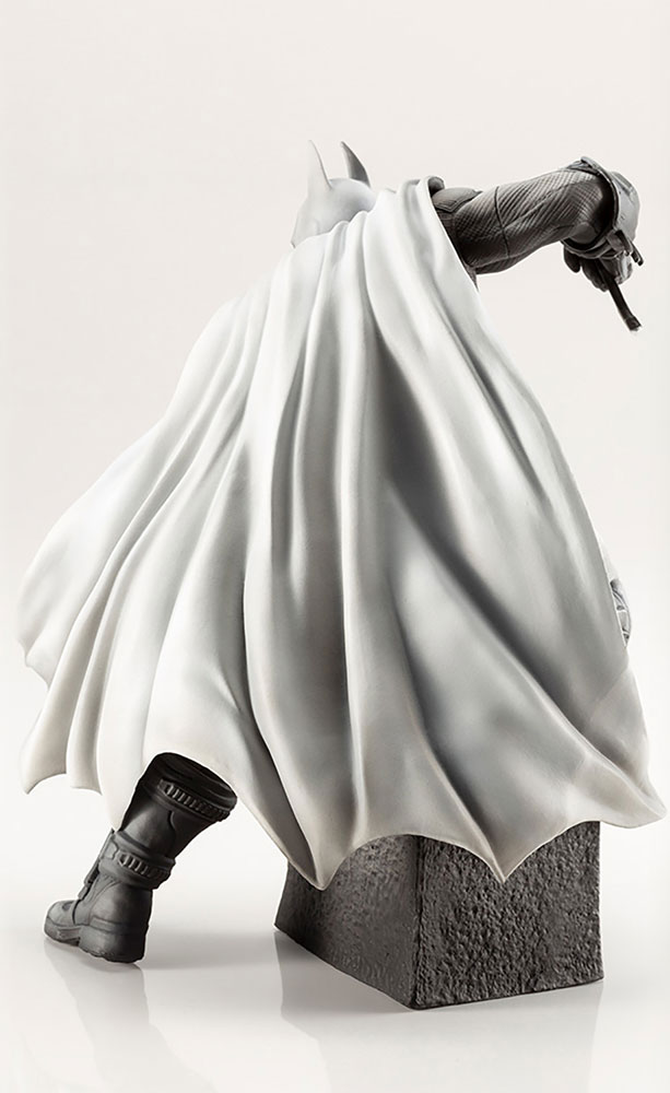 Arkham Series ARTFX+ Statue: 10th Anniversart Batman  (Limited Edition) -