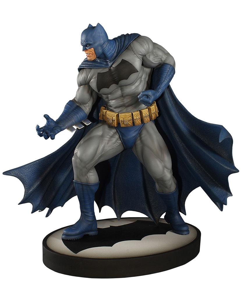 DC Batman Maquette: The Dark Knight  (12.5-inch) -