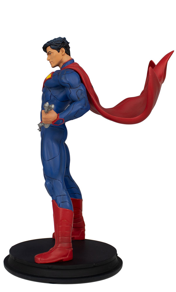 DC 9 Inch Statue: Superman Unchained  - Icon Heroes