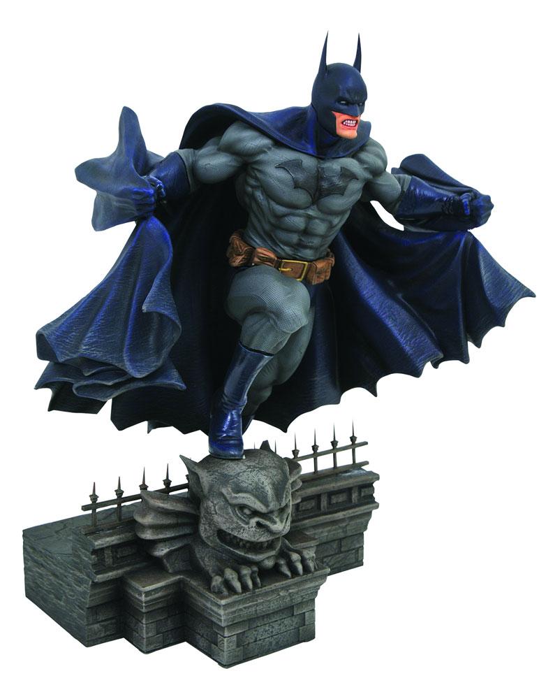 DC Gallery PVC Figure: Batman Comic  - Diamond Select Toys LLC