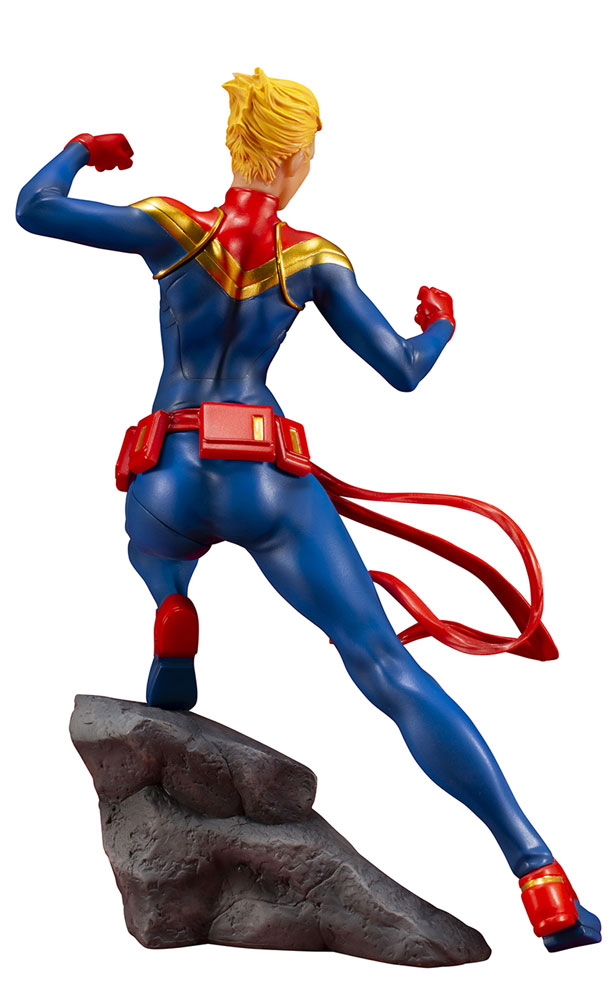 Marvel Comics Avengers Series ArtFX+ Statue: Captain Marvel  - Koto Inc.