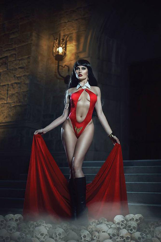 Image: Vampirella Vol. 05 #2 (incentive cover - Cosplay virgin) (30-copy)  [2019] - Dynamite