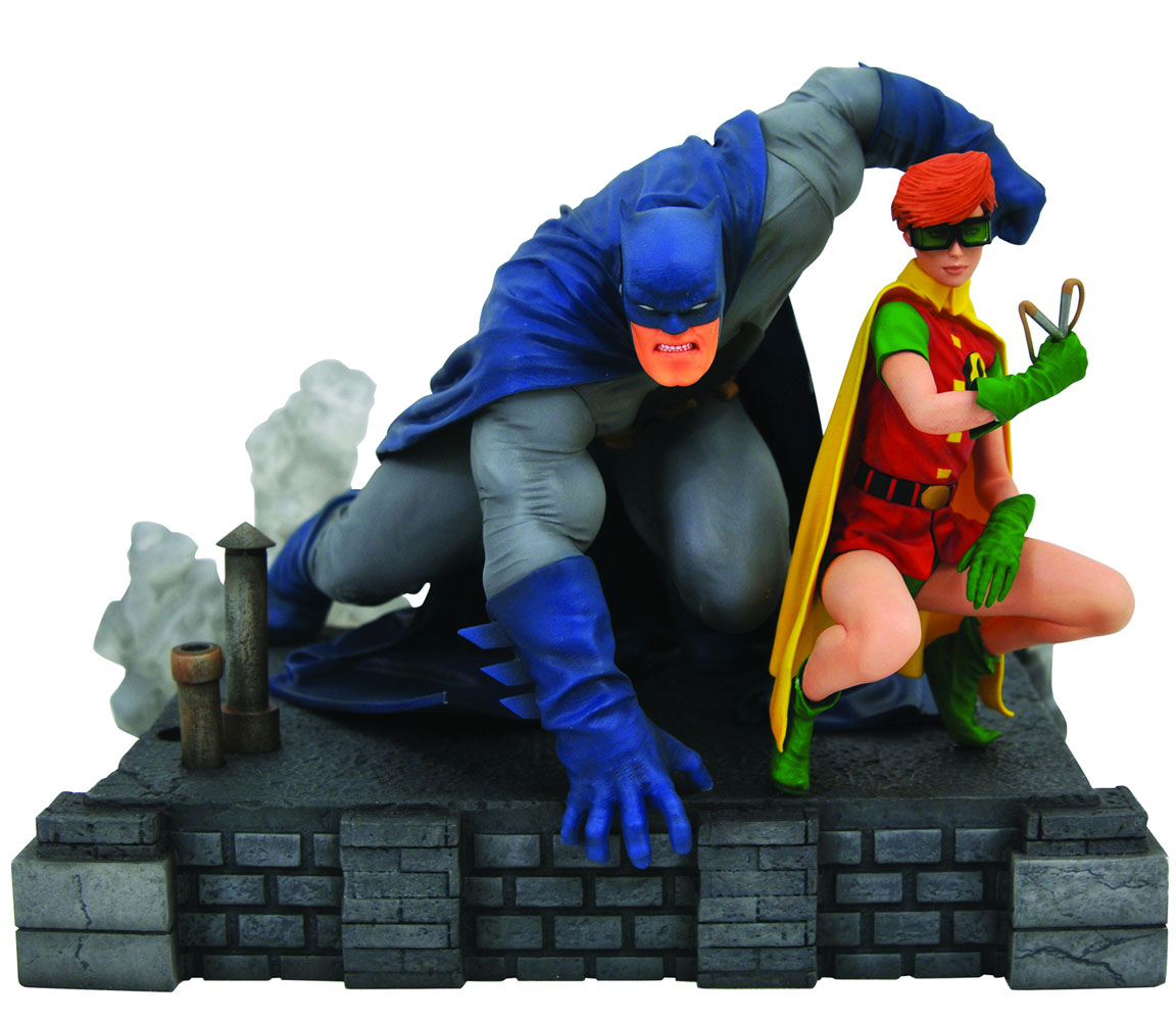 DC Gallery PVC Figure: Dark Knight Returns - Batman & Carrie  (Deluxe) - Diamond Select Toys LLC