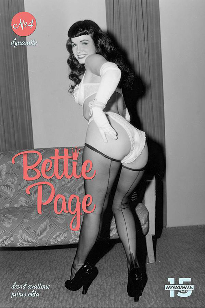 Image: Bettie Page: Unbound #4 (cover E - Photo) - Dynamite