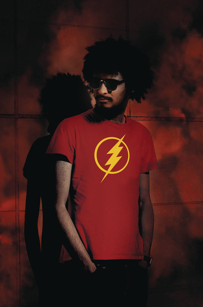 Image: DC Heroes T-Shirt: Flash 2019 Symbol  (XL) - Graphitti Designs