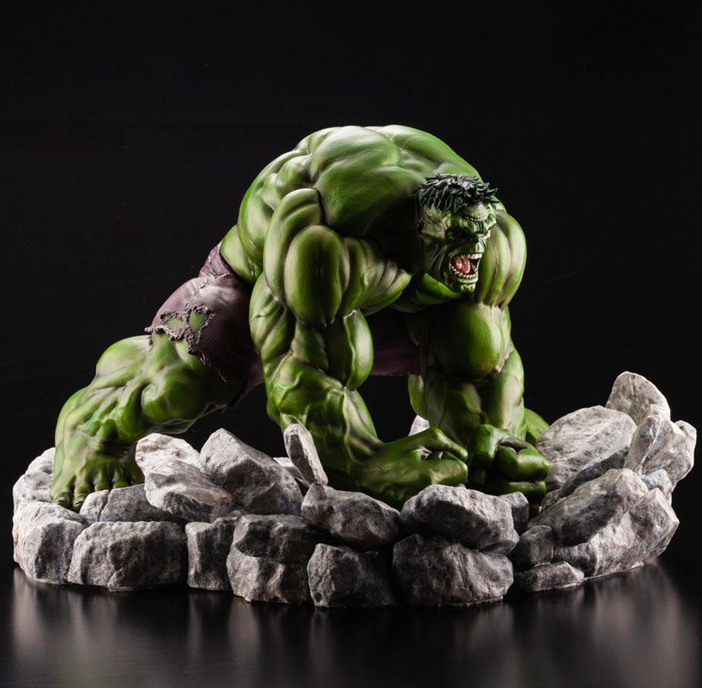 Marvel Artfx Premier Statue: Hulk  - Koto Inc.
