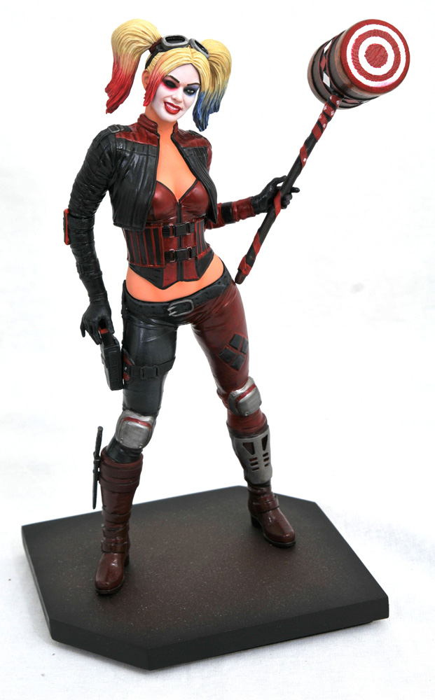 DC Gallery PVC Diorama: Injustice 2 - Harley Quinn  - Diamond Select Toys LLC