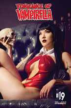 Image: Vengeance of Vampirella #19 (cover D - Cosplay) - Dynamite