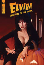Image: Elvira: Mistress of Dark #4 (cover D subscription - Photo) - Dynamite