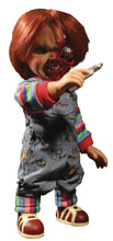 Image: Child's Play Mega Scale Figure: Talking Pizza Face Chucky  (15-inch) - Mezco Toys