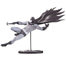Image: Batman Black & White Statue: Batman by Doug Mahnke  - DC Comics