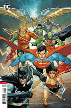 Image: Justice League #22 (variant cover - Leinil Yu) - DC Comics