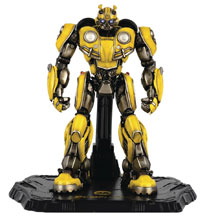 Image: Transformers Deluxe Scale Figure: Bumblebee  - Three A Trading Company Ltd