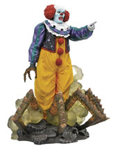Image: It 1990 Gallery PVC Statue: Pennywise  - Diamond Select Toys LLC