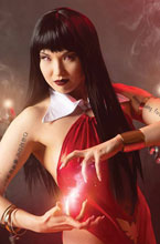 Image: Vengeance of Vampirella Vol. 02 #17 (incentive 1:20 cover - Cosplay virgin) - Dynamite