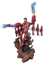 Image: Marvel Gallery Deluxe PVC Figure: Avengers 3 - Unmasked Iron Man MK50  - Diamond Select Toys LLC