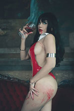 Image: Vengeance of Vampirella #6 (incentive 1:20 cover - Lorraine Cosplay virgin) - Dynamite