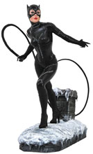 Image: DC Gallery PVC Statue: Batman Returns Movie - Catwoman  - Diamond Select Toys LLC