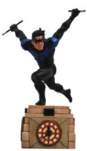 Image: DC Gallery PVC Diorama: Nightwing  - Diamond Select Toys LLC