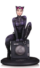 Image: DC Cover Girls Statue: Catwoman by Joelle Jones  - DC Comics