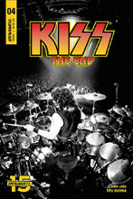 Image: Kiss End #4 (cover D - Photo) - Dynamite