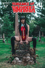 Image: Vengeance of Vampirella #4 (cover D - Cosplay) - Dynamite