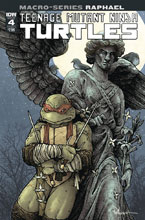 Image: Teenage Mutant Ninja Turtles Macroseries: Raphael #4 (cover A - Petersen) - IDW Publishing