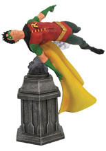 Image: DC Comics Gallery PVC Diorama: Robin  - Diamond Select Toys LLC