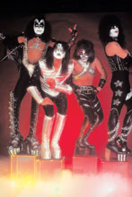 Image: Kiss: Zomibes #1 (incentive 1:10 cover - Photo virgin) - Dynamite