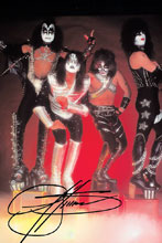 Image: Kiss: Zomibes #1 (variant Photo cover - Gene Simmons virgin) (signed) - Dynamite