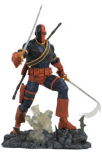 Image: DC Comics Gallery PVC Diorama: Deathstroke  - Diamond Select Toys LLC